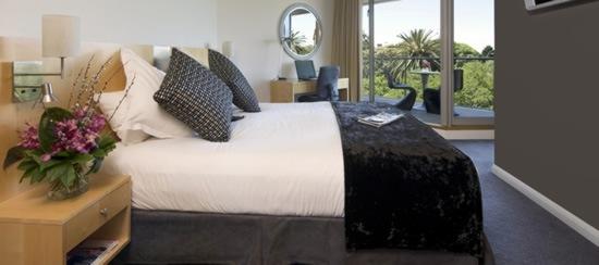 quay-grand-suites-hotel-01