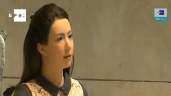 robot-actriz-interpreta-papel-en-obra-de-chejov
