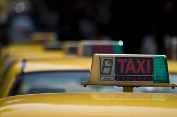 servicios-de-taxi-por-telefono-en-lima