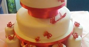 Mini wedding tier cake