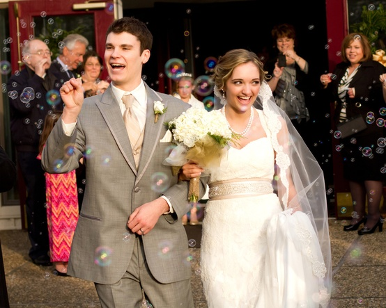 Wedding Celebrations: The Alternatives to Throwing Rice