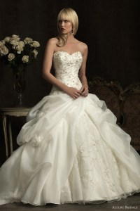 Girls get Hot: Allure Bridals Wedding Dresses Spring 2012