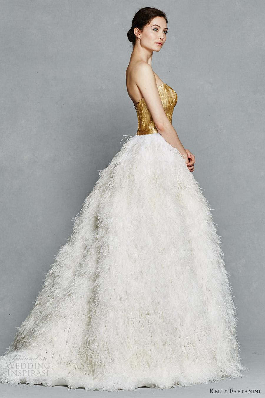 amazing black and white feather wedding dresses feathered wedding dress White Feather Wedding Dresses 2 Amazing Black and White Feather Wedding Dresses White Feather Wedding Dresses