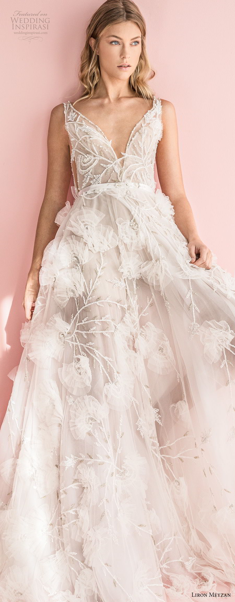 liron meyzan 2018 bridal sleevelesss deep v neck full embellishment side open romantic a line wedding dress sweep train (3) lv