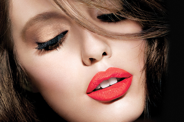 Amazing Tips To Apply Bold Lip Color With Minimal Eye