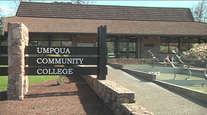 Another mass shooting on college campus: 10 reported killed at Umqua Community College in Oregon