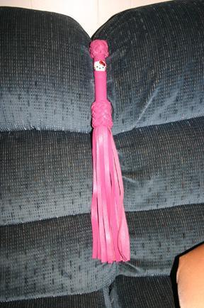 hello-kitty-flogger