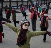 Dancing Grannies Square Dance China World Record