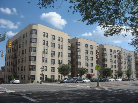 750 Grand Concourse, owned by Ved Parkash who is considered the city's worst landlord, has 309 building violations. / Matthew X. Kiernan via Flickr