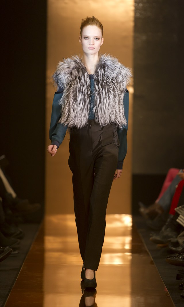 fox_gilet_fur_coat_stine_riis_R_||_S