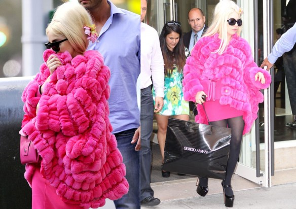pink_fur_coat_lady_gaga_new_york_giorgio_armani_fur