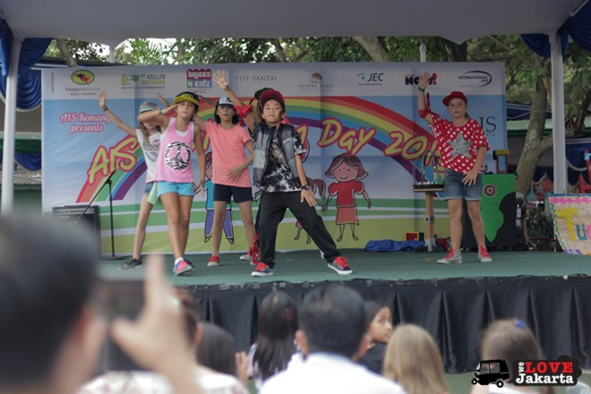 We Love Jakarta_welovejakarta.com_tasha may_AIS Family Fun Day Dance concert AIS Jakarta_2015 Jakarta_kids in Jakarta