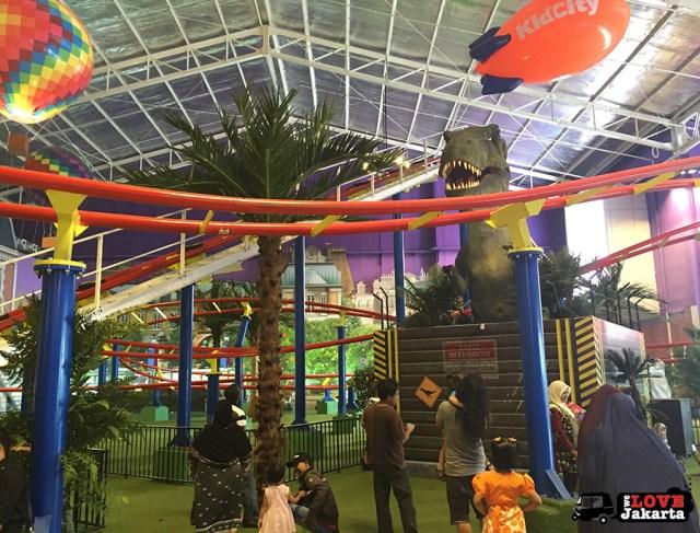 Tasha May_welovejakarta_KidCity Carrefour Transmart Cilandak_Jakarta with kids_roller coaster