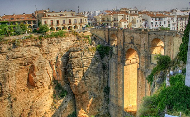 city-arts-sciences-valencia-590x442 Valencia Spain Travel Guide Must See Attractions