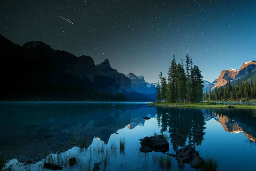 Free Fall Bc Nature Wallpaper 8 Gorgeous Canadian National Parks For Your To Do List