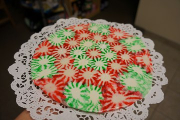Complete-peppermint-candy-plate