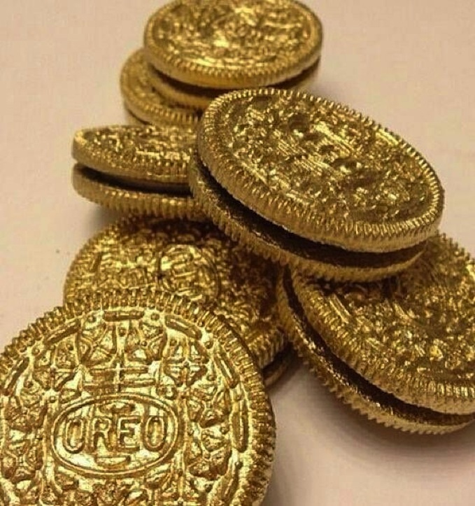 How To Make Gold Covered Oreos We Re Calling Shenanigans