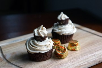 Reeses-cupcakes