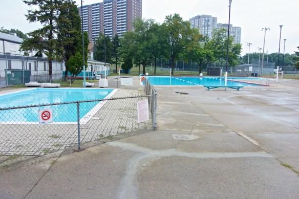 Quiet Pool Court Apollo Beach Fl