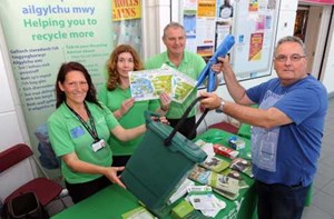 LLANELLI RESIDENTS TAKE UP RECYCLING CHALLENGE
