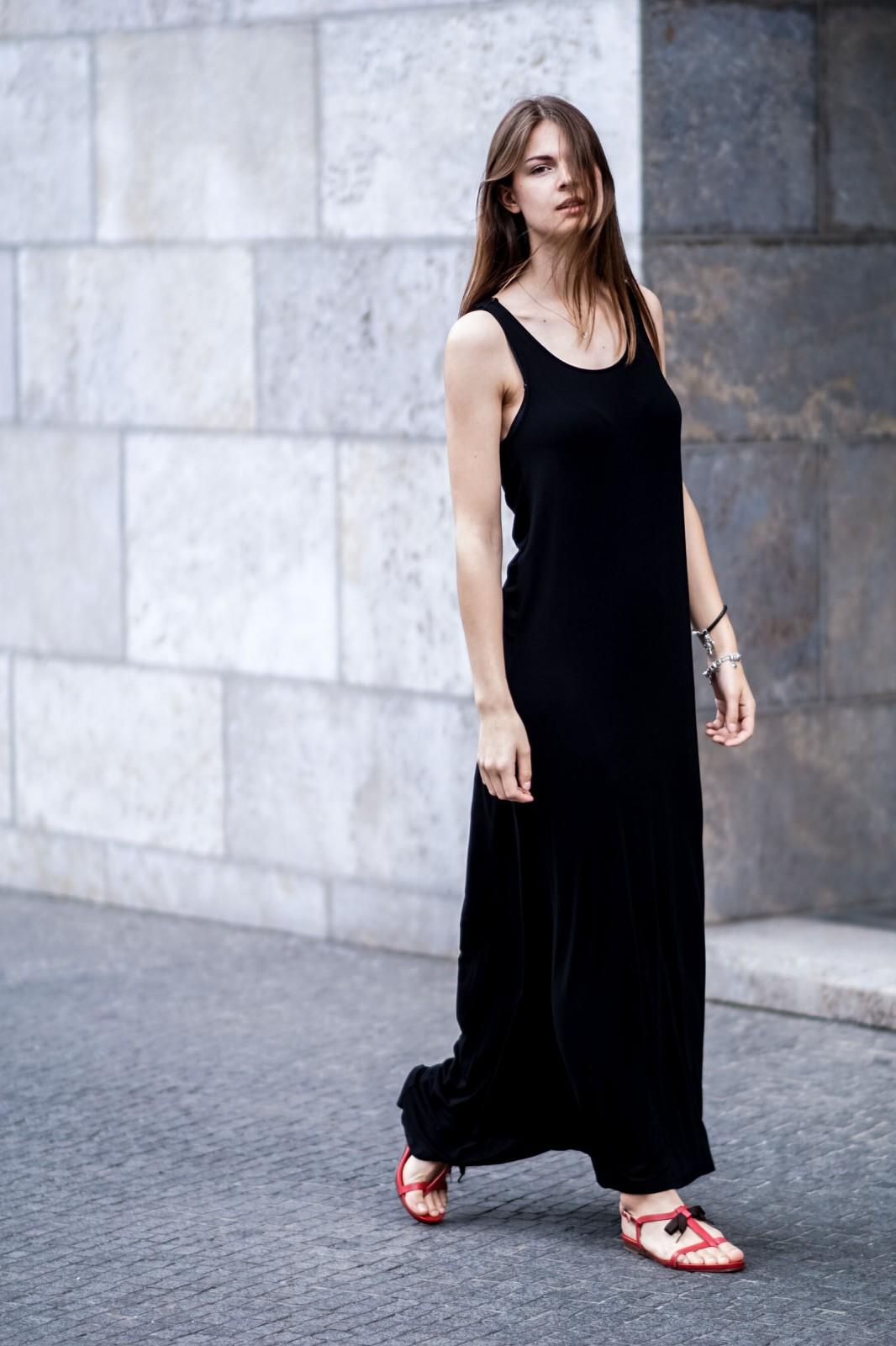 Fashionblog berlin black maxi dress