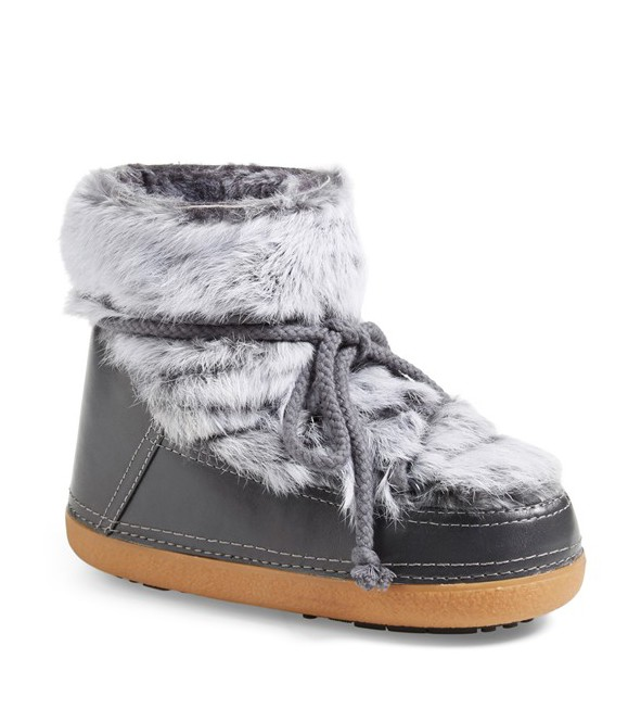 What-to-Where_christmas_gift_ideas_women_ikkii_fur_boots