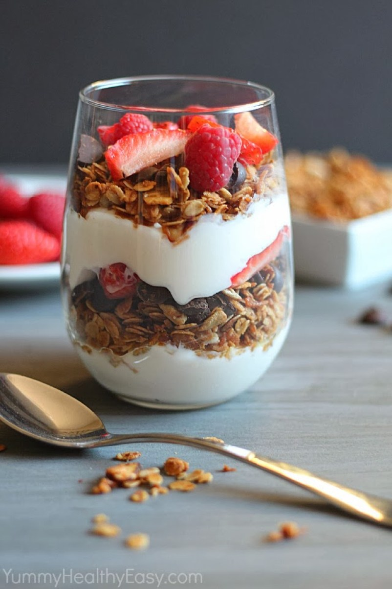granola-parfait-strawberry-raspberry-and-chocolate-breakfasts for the working girl-what-to-where