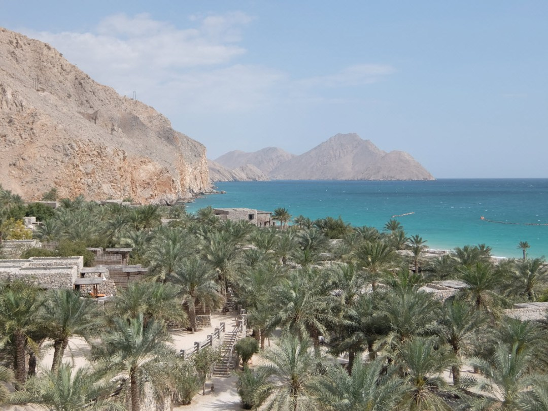 What-to-Where- Honeymoon destinations- Oman-Inspiration_for_Travellers Oman-Six_Senses_Zighy_Bay-