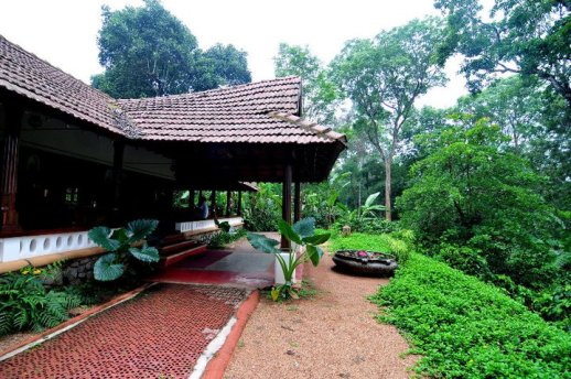 Long Distance Decor   Kerala House Desgin