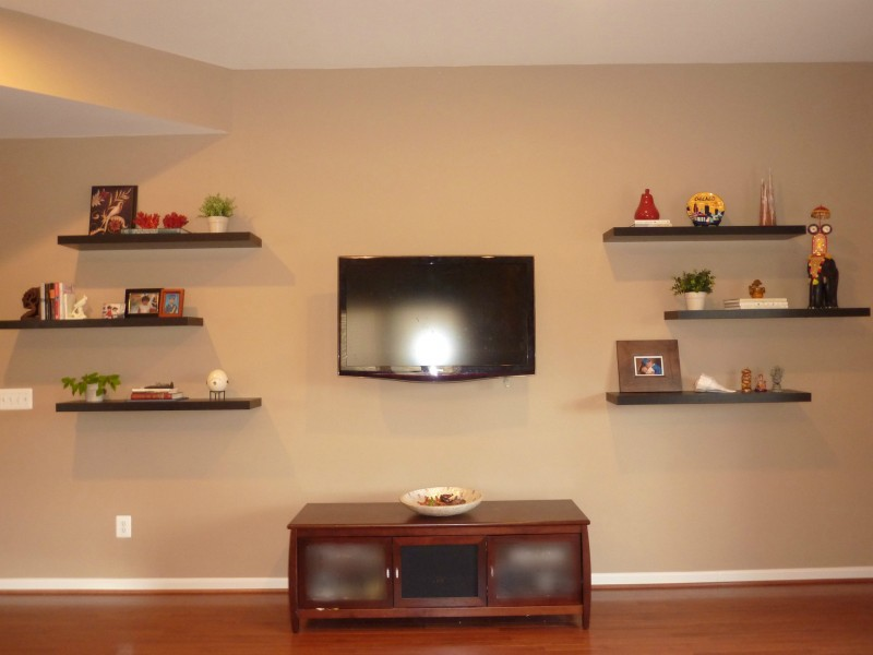 How to Decorate Around a TV with Floating Shelves