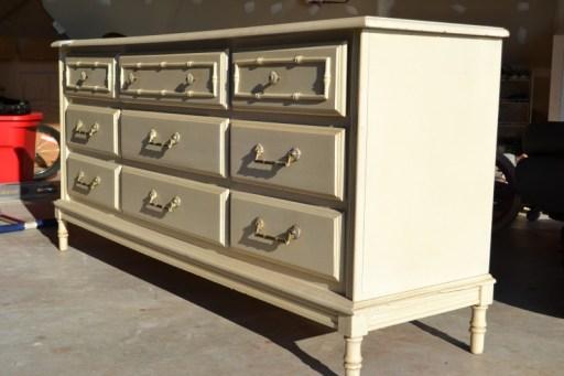 vintage dresser, Online Auction