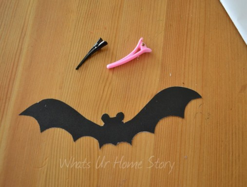 Whats Ur Home Story: fall party bat decor