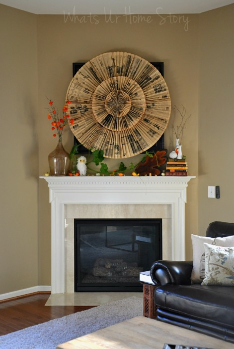 Whats Ur Home Story: Fall Decor, Vintage newspaper medallion wall hanging, paper fan medallion wall art, Vintage newspaper medallion  tutorial, paper fan medallion tutorial, DIY paper accordion wall hanging