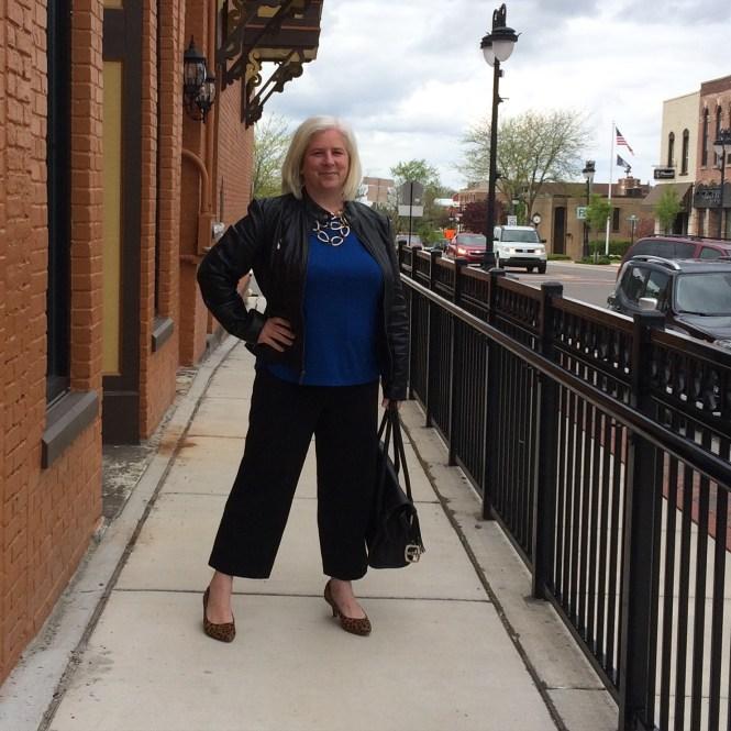 Lookin' fine in cropped pants!