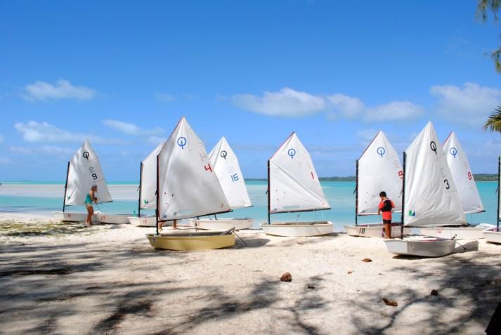 0047-Kids-skiffs-waiting-for-kids-at-Near-OOut-Beach-on-Aitutaki-DPI-0047