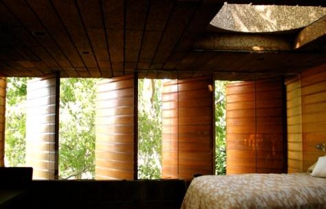 John Lautner's Silvertop Residence, Bedroom Window Detail, Photo Romi Cortier