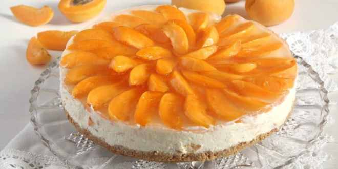 White Chocolate Apricot Cheesecake