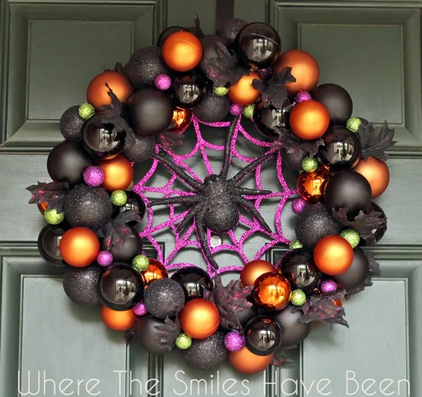 Halloween Ornament Wreath Tutorials