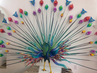{Beautiful peacock alebrije in one of the galleries here in town.}