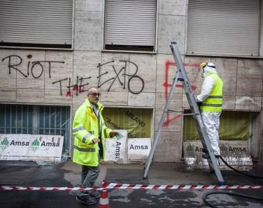 Milano, tutti in strada per ripulire la città