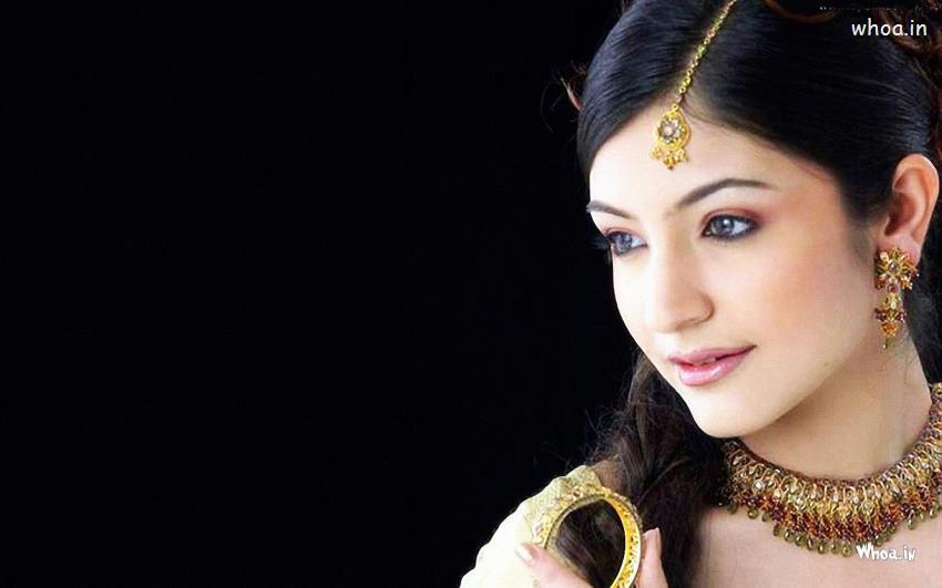 Sai Baba Wallpaper Download 3d Anushka Sharma Wearing A Jewellery Close Up Hd Wallpaper