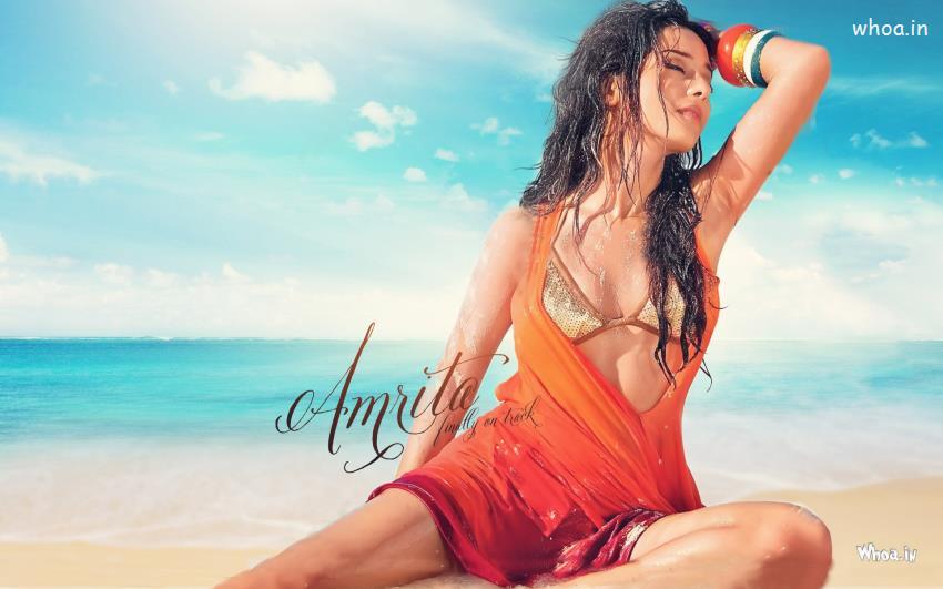 Hindi Friendship Quotes Wallpaper Amrita Rao Bikini Hot Hd Wallpaper