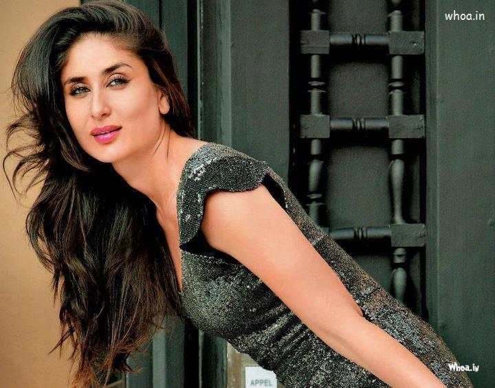 God Ganesh Hd 3d Wallpaper Kareena Kapoor Close Up Smiling Wallpaper
