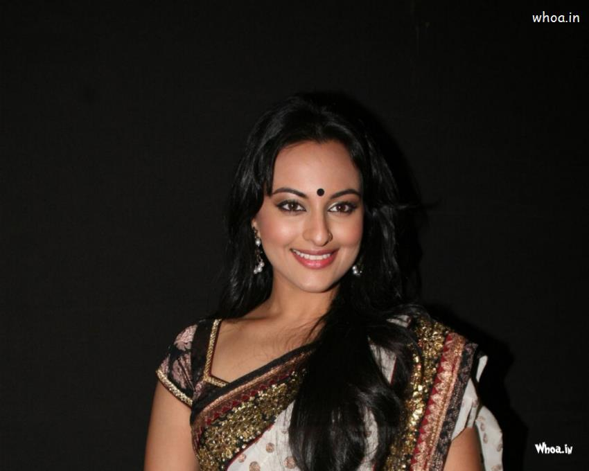 God Krishna Hd 3d Wallpaper Sonakshi Sinha In White Saree Clouse Up Photoshoot