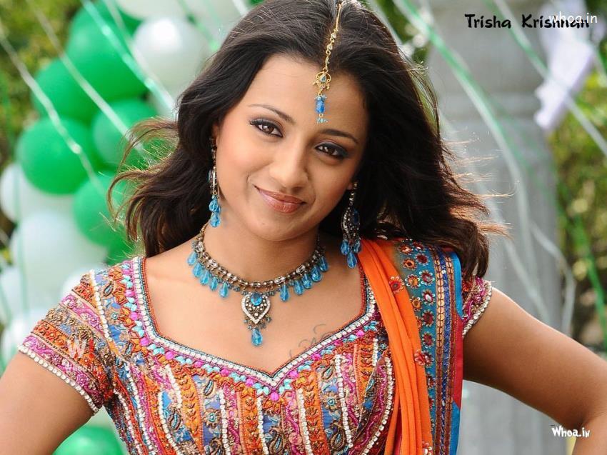 3d Hd Ganesh Wallpaper Trisha Krishnan Smiling Photoshoot