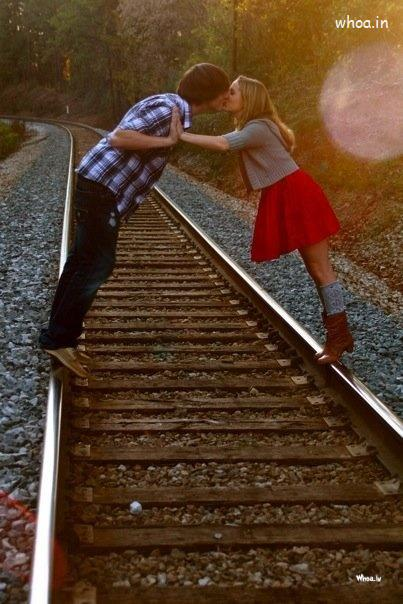 Good Night Wallpaper With Quotes For Fb Couple Kissing On A Railway Track Hd Wallpaper