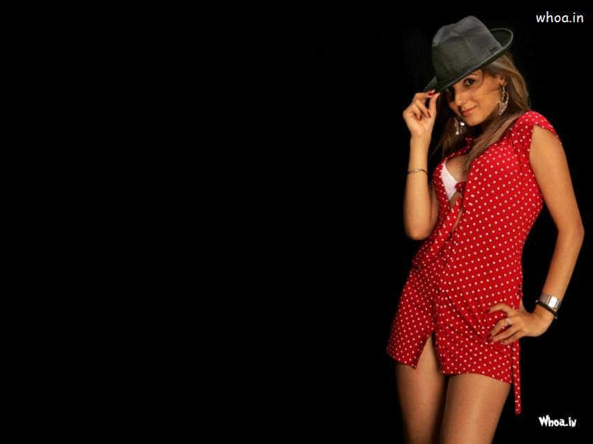 Holi Wallpaper 3d Hot Girl Sizzles In Hat Dark Background Wallpaper