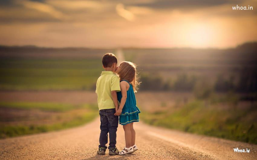 Cute Boy And Girl Friendship Wallpapers Baby Girl Kiss To Boy On The Road Hd Kids Kiss Wallpaper