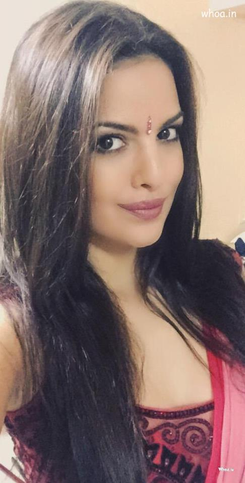 God Krishna Hd 3d Wallpaper Natasa Stankovic Red Saree With Face Closeup Hd Wallpaper