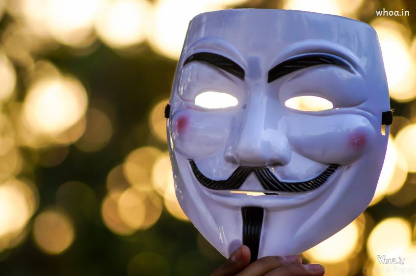 Om 3d Wallpaper Download Smiling Joker Mask Photoshoot